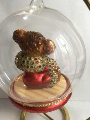 Ёлочная игрушка Глоб с медвежонком