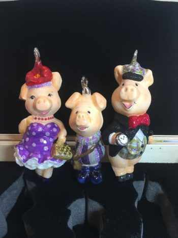 Ёлочная игрушка Набор Свиное семейство. В деревянном ларце