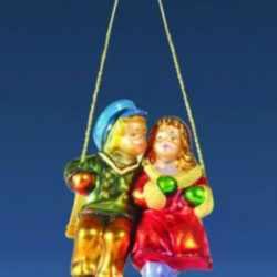 Ёлочная игрушка Дети на качелях
